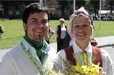 Aigars Bajārs, Gunta Raipala 2005.gada vasarā IX Latvijas skolu un jaunatnes dziesmu un deju svētku gājienā